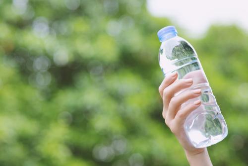 Hoeveel moet je nu écht drinken na het sporten?